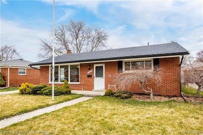 Farmington Hills, Farmington, Livonia, Redford Single Family Home For Sale: 35334 Hathaway Street