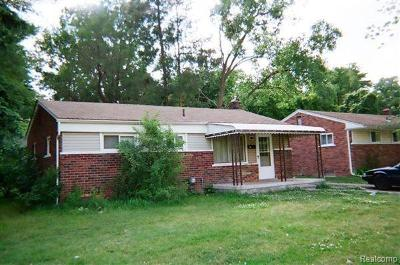 Pontiac Single Family Home For Sale: 415 Martin Luther King Jr Boulevard N