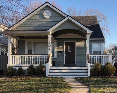 Royal Oak Single Family Home For Sale: 707 Forest Avenue