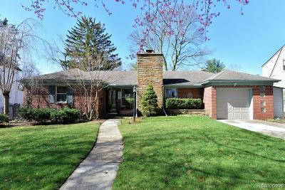 Royal Oak Single Family Home For Sale: 4155 Arlington Drive