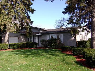 Grosse Ile Twp Single Family Home For Sale: 28725 Chatham Road
