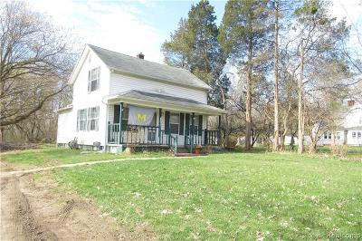 Oakland County Single Family Home For Sale: 801 W Commerce Road