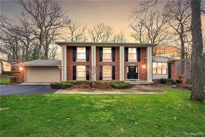 West Bloomfield Twp Single Family Home For Sale: 3159 Bloomfield Shore Drive