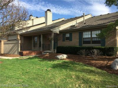 Farmington Hills Condo/Townhouse For Sale: 38343 Ashbrooke