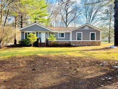 Clarkston, Independence Twp, Springfield Twp, Village Of Clarkston  Single Family Home For Sale: 9660 Norman Road