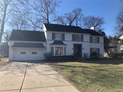 Detroit Single Family Home For Sale: 1661 Lincolnshire Drive