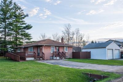 Rochester Hills Single Family Home For Sale: 3400 Crooks Road