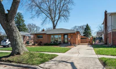 Royal Oak Single Family Home For Sale: 1413 Poplar Avenue N