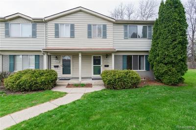 Southfield Condo/Townhouse For Sale: 26200 Franklin Pointe Drive