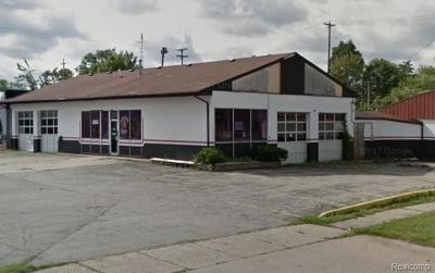 Commercial For Sale: 1702 S Saginaw Street