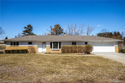Macomb County, Oakland County, Wayne County Single Family Home For Sale: 6710 Laurelton