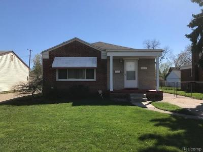 St Clair Shores, Roseville, Clinton Twp, Warren, Center Line Single Family Home For Sale: 26618 Groveland Street
