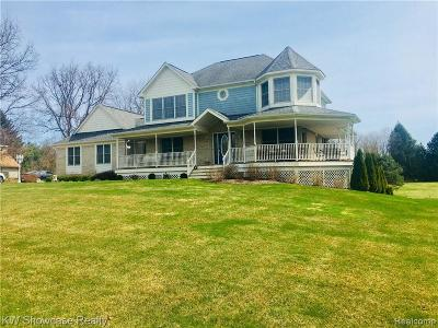 Milford Twp Single Family Home For Sale: 639 Peach Tree Lane