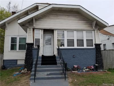 Romulus Single Family Home For Sale: 5834 Wayne Rd