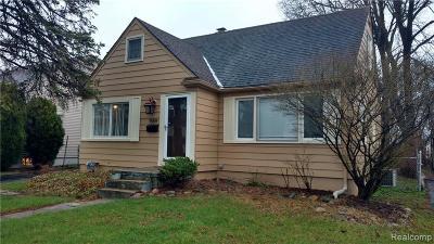 Berkley Single Family Home For Sale: 1559 Catalpa Drive