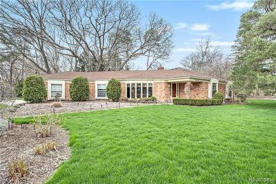 Bloomfield Twp Single Family Home For Sale: 2808 Downderry Court