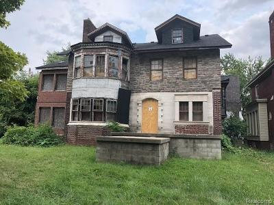 Detroit Single Family Home For Sale: 129 Lawrence Street