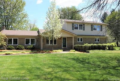 Macomb Twp Single Family Home For Sale: 55270 Broughton Road