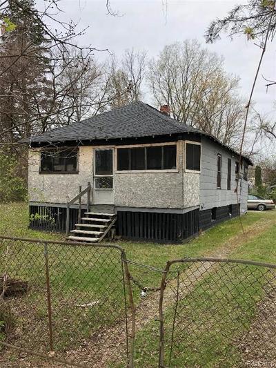 Romulus Single Family Home For Sale: 11114 Whitehorn Street