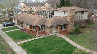 Allen Park, Lincoln Park, Southgate, Wyandotte, Taylor, Riverview, Brownstown Twp, Trenton, Woodhaven, Rockwood, Flat Rock, Grosse Ile Twp, Dearborn, Gibraltar Single Family Home For Sale: 1 Fairmount Court