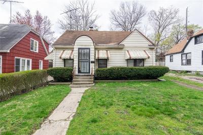 Pontiac Single Family Home For Sale: 53 Monterey Street