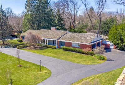 Bloomfield Twp Single Family Home For Sale: 3720 Burning Tree Drive