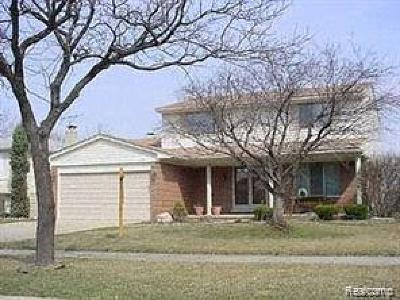 Sterling Heights Single Family Home For Sale: 13655 Brougham Dr Drive