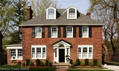 Detroit Single Family Home For Sale: 2955 Burns Street