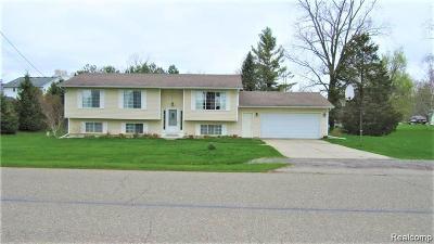 Single Family Home For Sale: 10325 Dar Lane