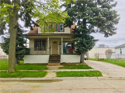 Lincoln Park Single Family Home For Sale: 678 Cleophus Parkway
