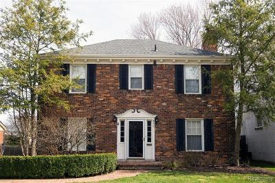 Grosse Pointe Single Family Home For Sale: 860 Lincoln Road