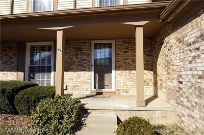 Rochester Hills Condo/Townhouse For Sale: 1408 Crescent Lane