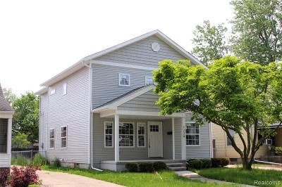 Berkley Single Family Home For Sale: 1229 Larkmoor Boulevard