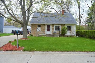 Farmington Hills Single Family Home For Sale: 21033 Ontaga Street