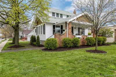 Canton, Plymouth Single Family Home For Sale: 1292 S Main Street