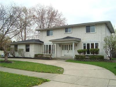 Clinton Twp MI Single Family Home For Sale: $319,900