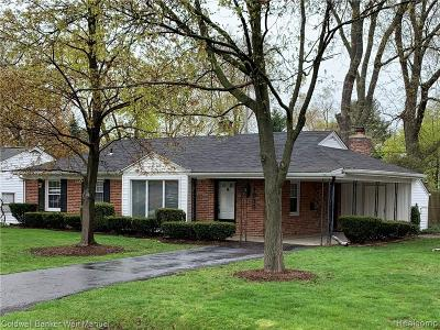 Keego Harbor, Sylvan Lake Single Family Home For Sale: 1935 Warwick Street