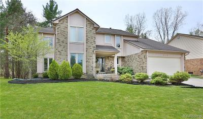 West Bloomfield Twp Single Family Home For Sale: 6445 Odessa Drive