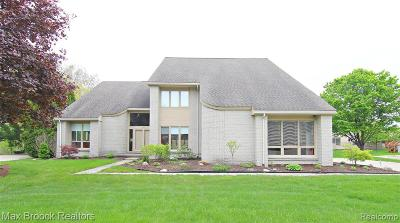 West Bloomfield Twp Single Family Home For Sale: 4725 Bonnie Court