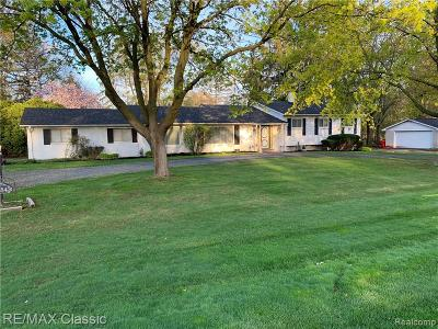 Southfield Single Family Home For Sale: 28254 San Marino Drive