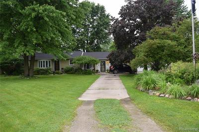 Monroe County Single Family Home For Sale: 9310 Oakville Waltz Road