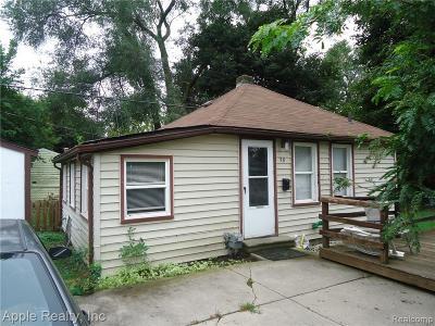 Pontiac Single Family Home For Sale: 38 E Princeton Avenue