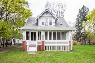 Romulus Single Family Home For Sale: 6023 Wayne Road