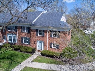 Bloomfield Twp Condo/Townhouse For Sale: 500 Billingsgate Court