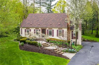 Bloomfield Twp Single Family Home For Sale: 6150 W Surrey Road