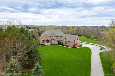 Bruce Twp Single Family Home For Sale: 73443 Hidden Creek Lane