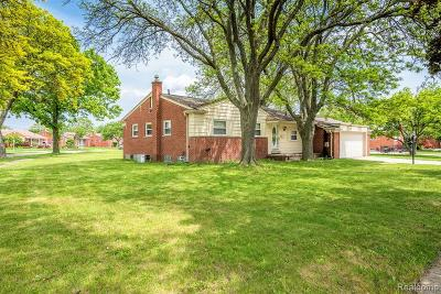 Dearborn Heights Single Family Home For Sale: 20470 River Oaks Drive