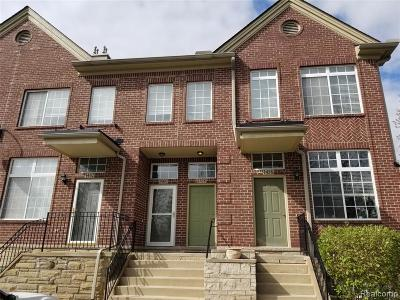 Walled Lake Condo/Townhouse For Sale: 1458 Silverbrook Ridge Drive
