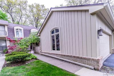Bloomfield Twp Condo/Townhouse For Sale: 1102 S Timberview Trail