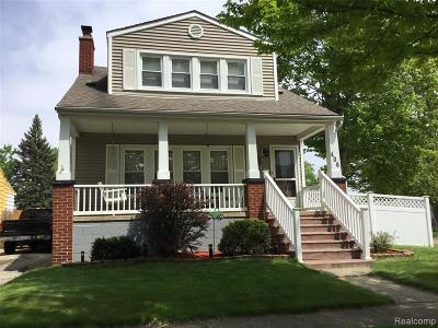 Clawson Single Family Home For Sale: 406 Chippewa Street